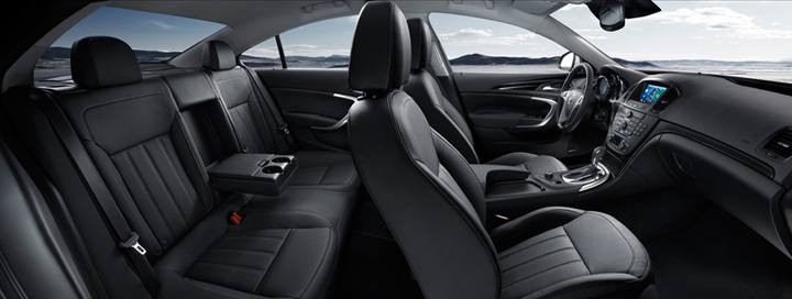 2011 Buick Regal with ebony trim and piano-black accents, Piano-Black Interior Trim