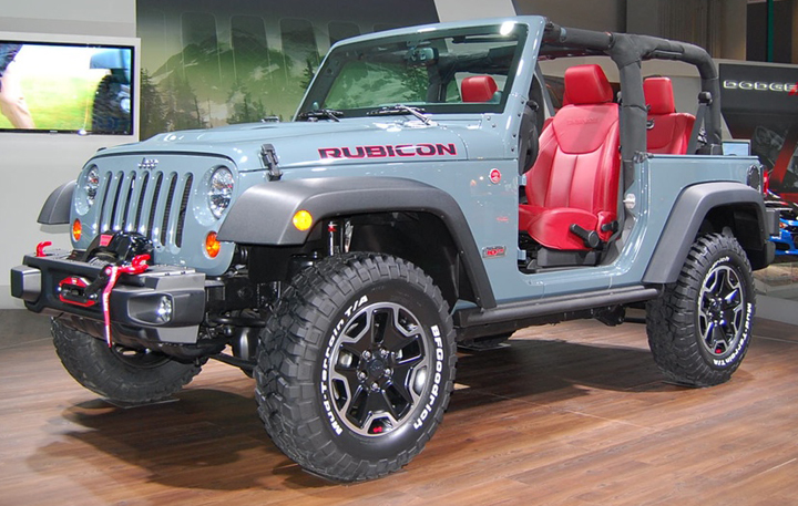 revealed at the la auto show 2013 chrysler town country s and rh blog consumerguide com 2016 Jeep Wrangler 2017 Jeep Wrangler