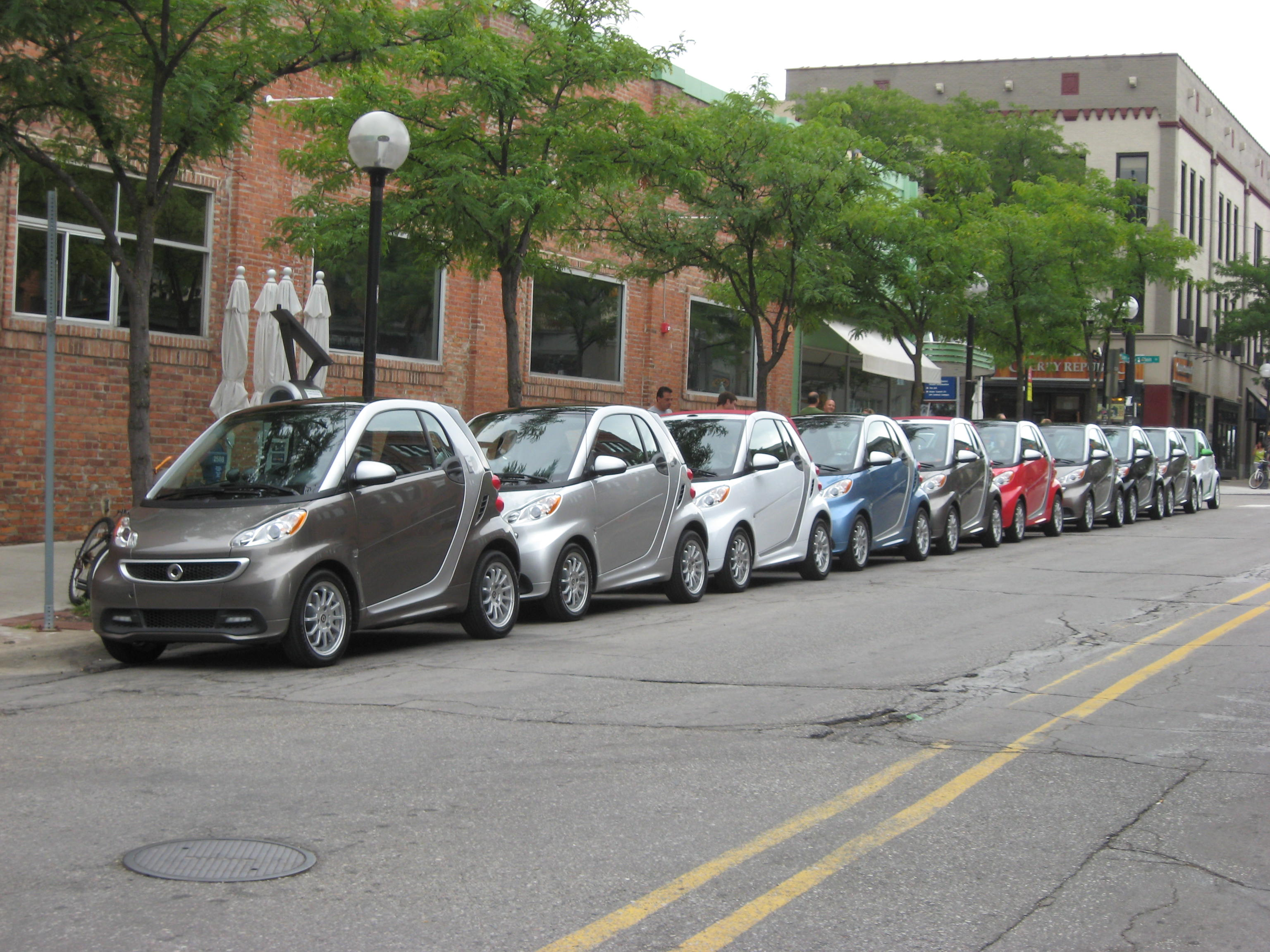 """Electra """"cute"""" : The 2014 Smart ForTwo Electric Drive - The Daily Drive 
