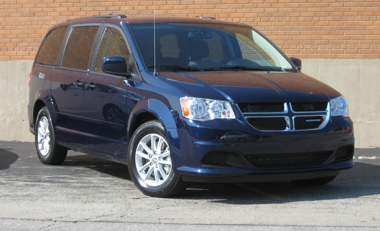 test drive 2013 dodge grand caravan sxt the daily drive consumer. Cars Review. Best American Auto & Cars Review