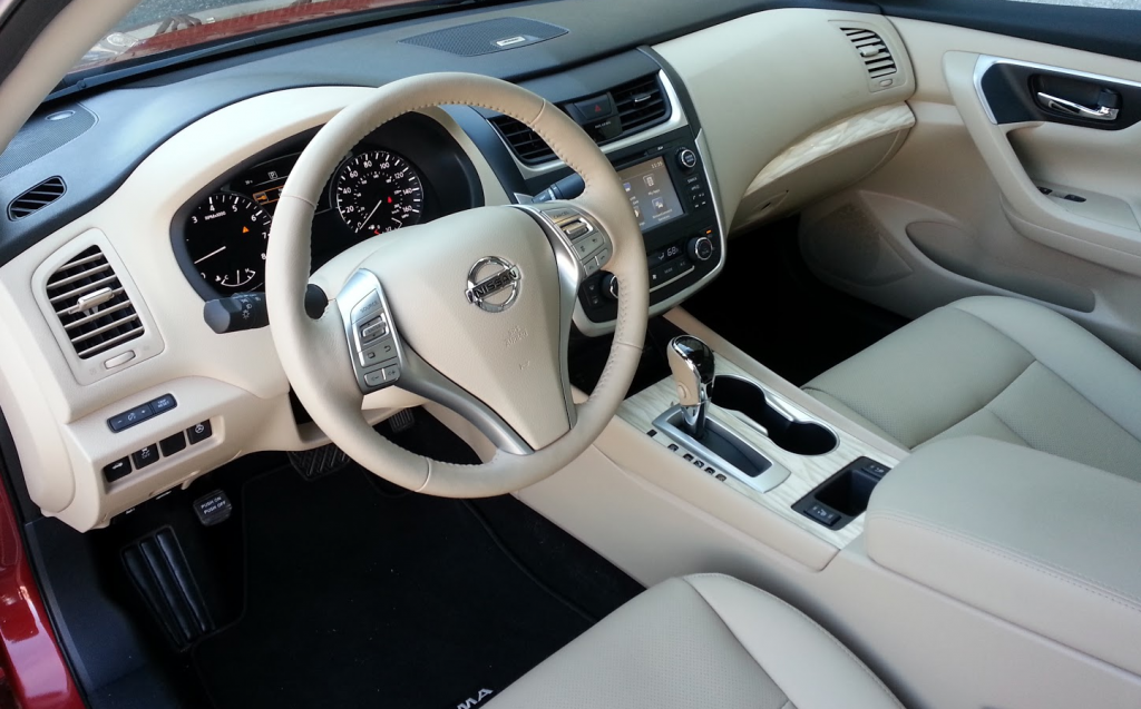 2016 nissan altima the daily drive consumer guide. Black Bedroom Furniture Sets. Home Design Ideas