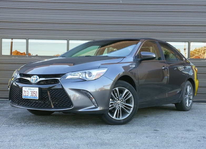test drive 2016 toyota camry hybrid se the daily drive consumer guide the daily drive. Black Bedroom Furniture Sets. Home Design Ideas