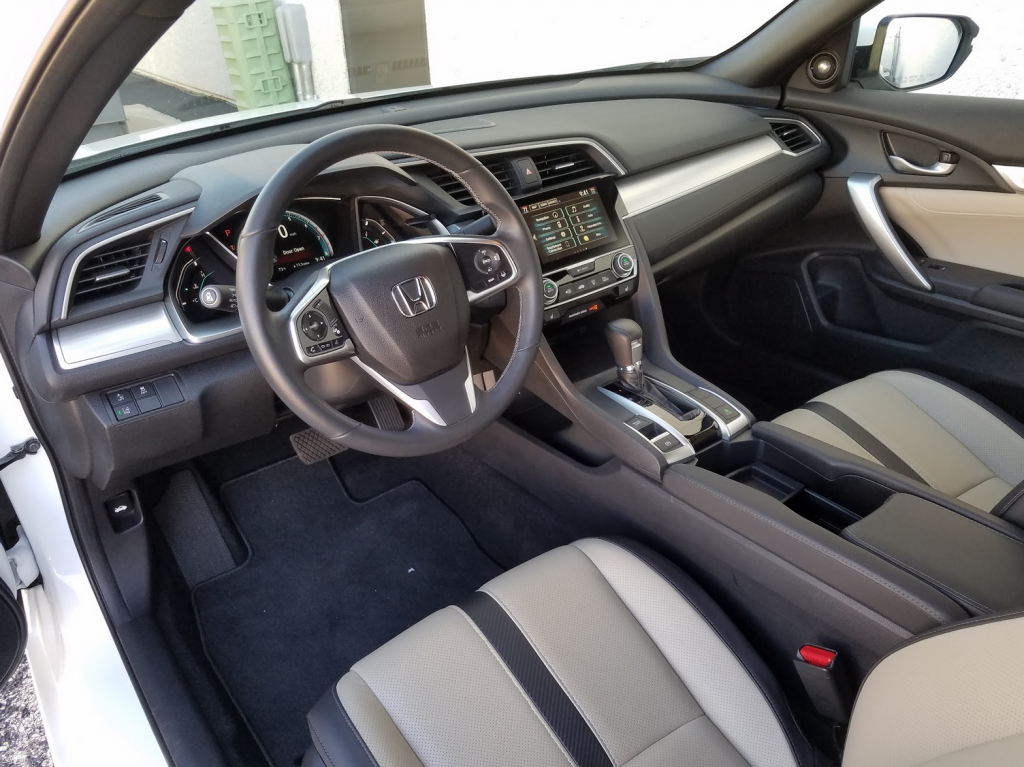 2016 Honda Civic Coupe Cabin