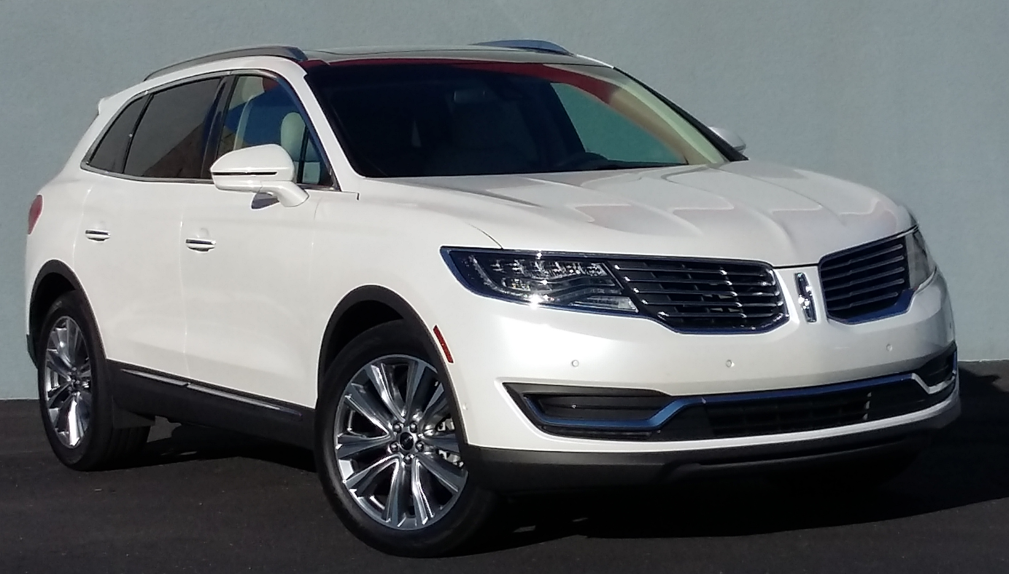 2016 Lincoln MKX The Daily Drive | Consumer Guide®