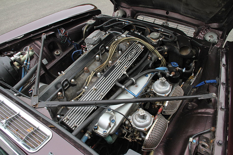 1970 Jaguar XJ6 engine