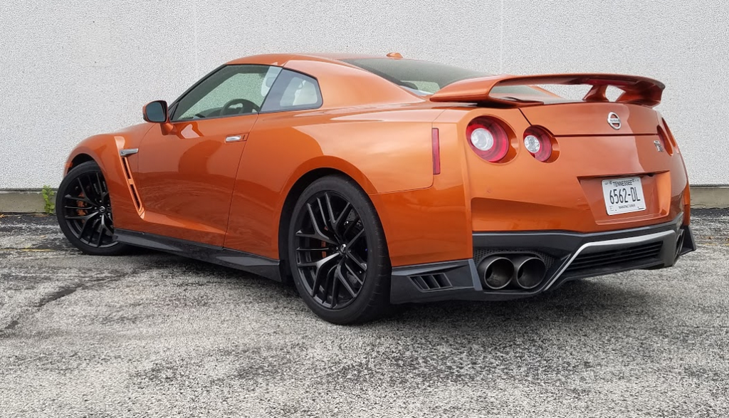 2017 Nissan GT-R in Blaze Metallic