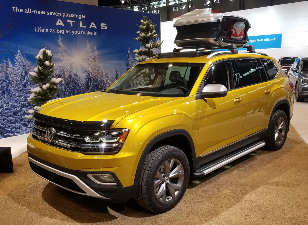 2018 Volkswagen Atlas in Kurkuma Yellow Metallic