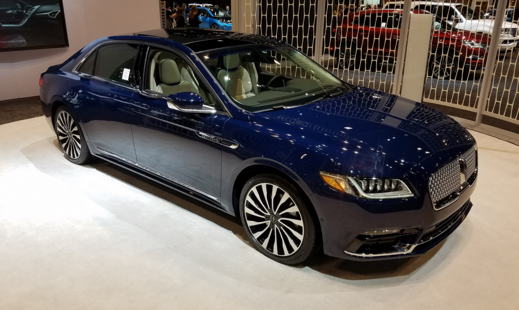 2017 Lincoln Continental in Rhapsody Blue