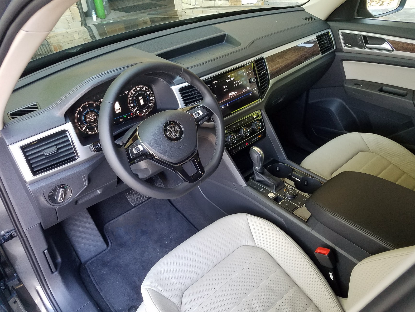 2018 VW Atlas dash