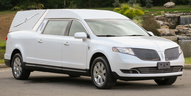 Lincoln MKT Hearse (Parks Superior)