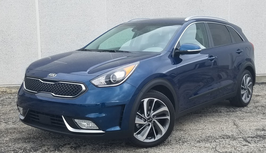 2017 kia niro touring the daily drive consumer guide. Black Bedroom Furniture Sets. Home Design Ideas
