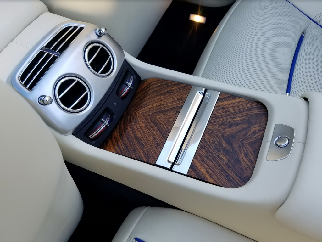 ROLLS-ROYCE DAWN REAR-SEAT CONSOLE