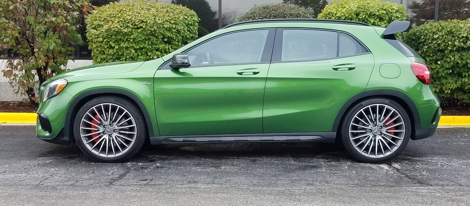 Mercedes AMG GLA, Green