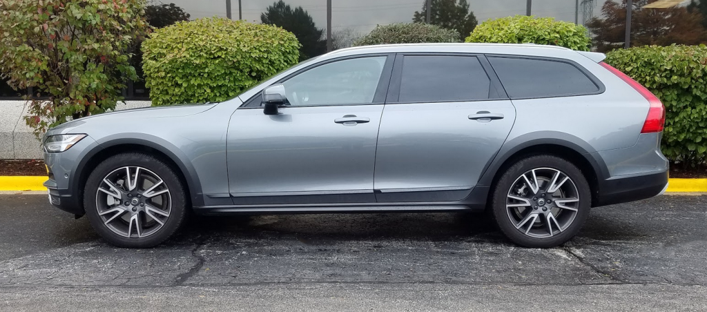 2017 Volvo V90 Cross Country