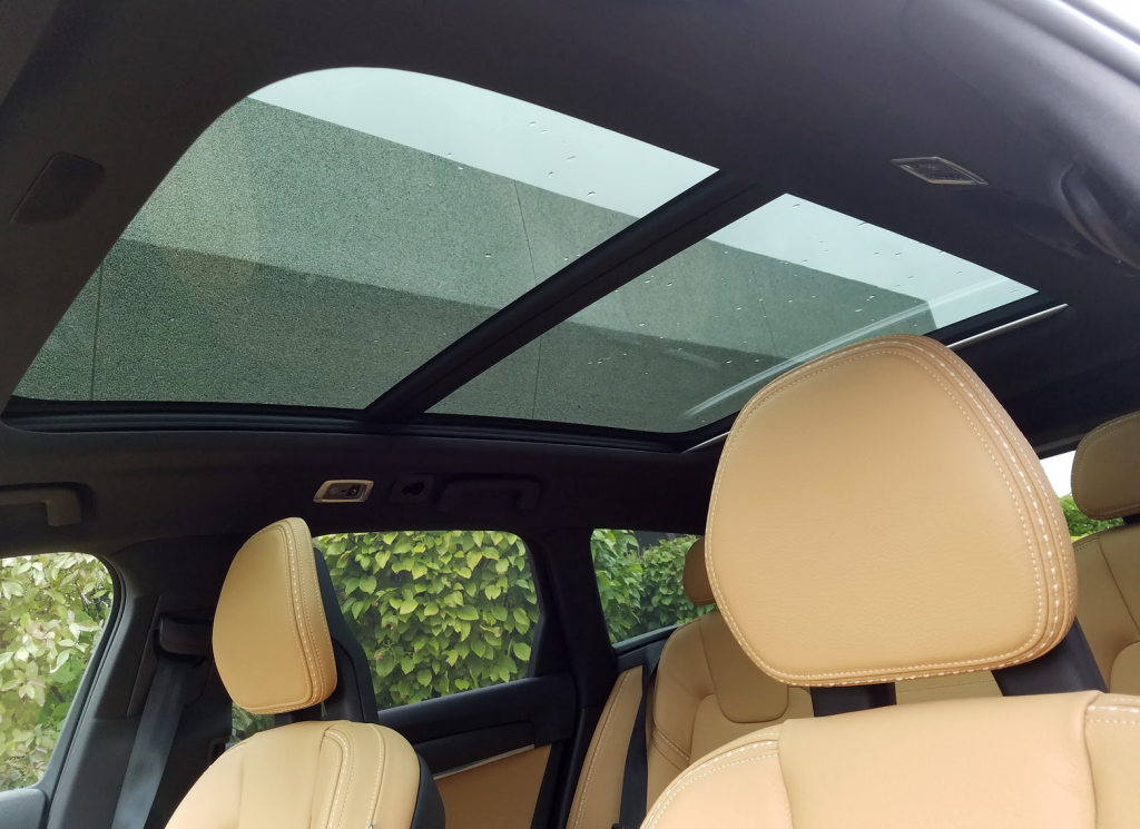 Volvo V90 Sunroof