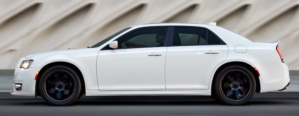 2019 Chrysler 300 S profile