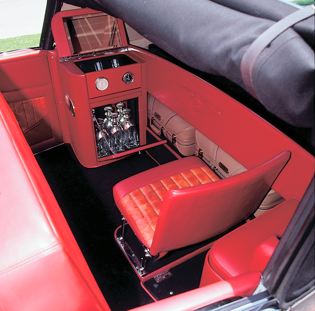 1947 Bentley Mark VI Drophead Coupe, Franay fitted luggage