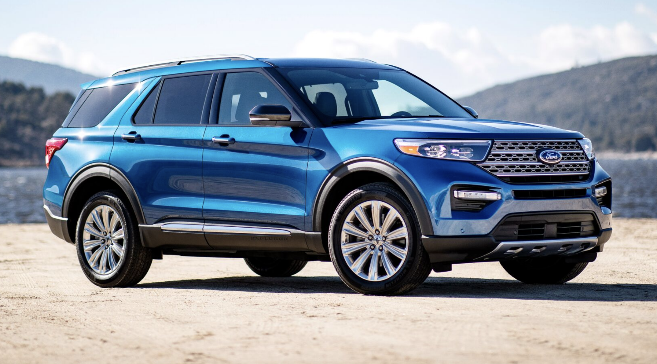 2019 detroit auto show  2020 ford explorer st and hybrid