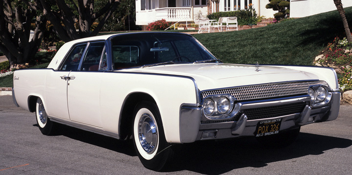 1961 Lincoln Continental 4-door sedan