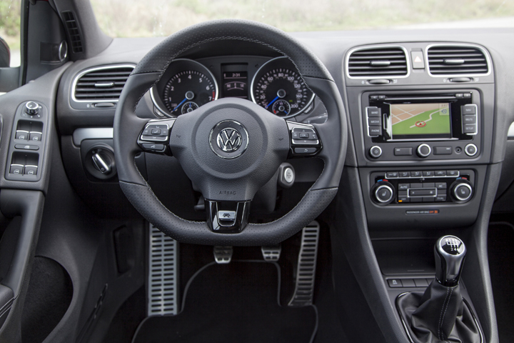 2012 Volkswagen Golf R interior 2