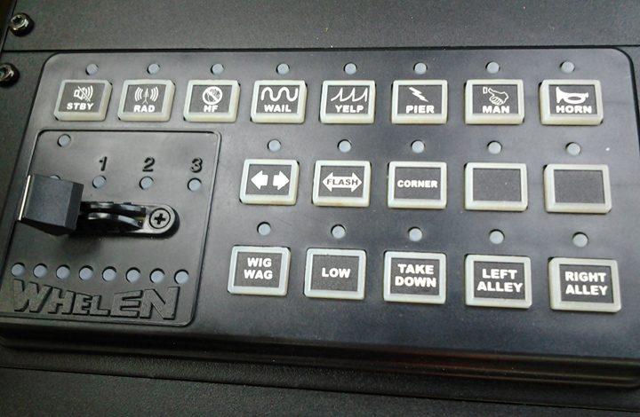 Dodge-Charger-Pursuit-control-panel1