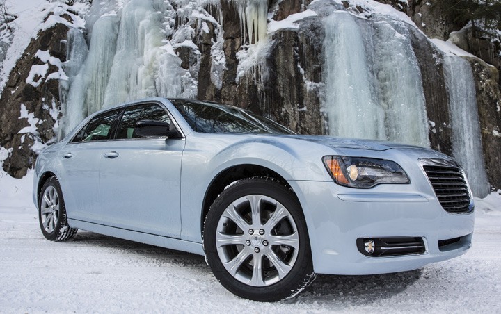 Chrysler 300 in snow