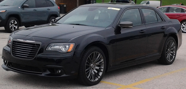 2013 Chrysler 300 C John Varvatos >> A Detroit Tough Fashion Statement The Chrysler 300c John Varvatos