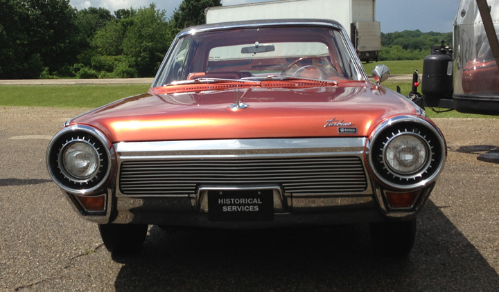 Chrysler Turbine Car (front view)