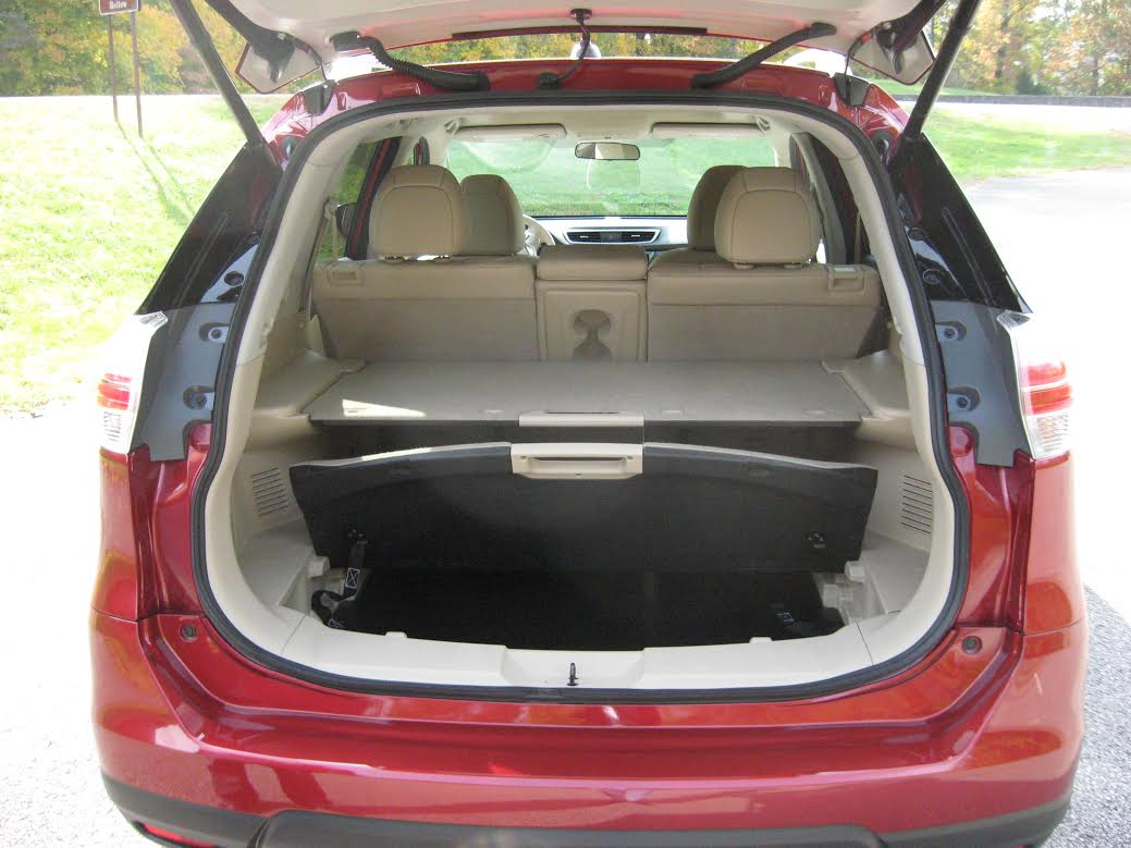 2014 Nissan Rogue, hatch open