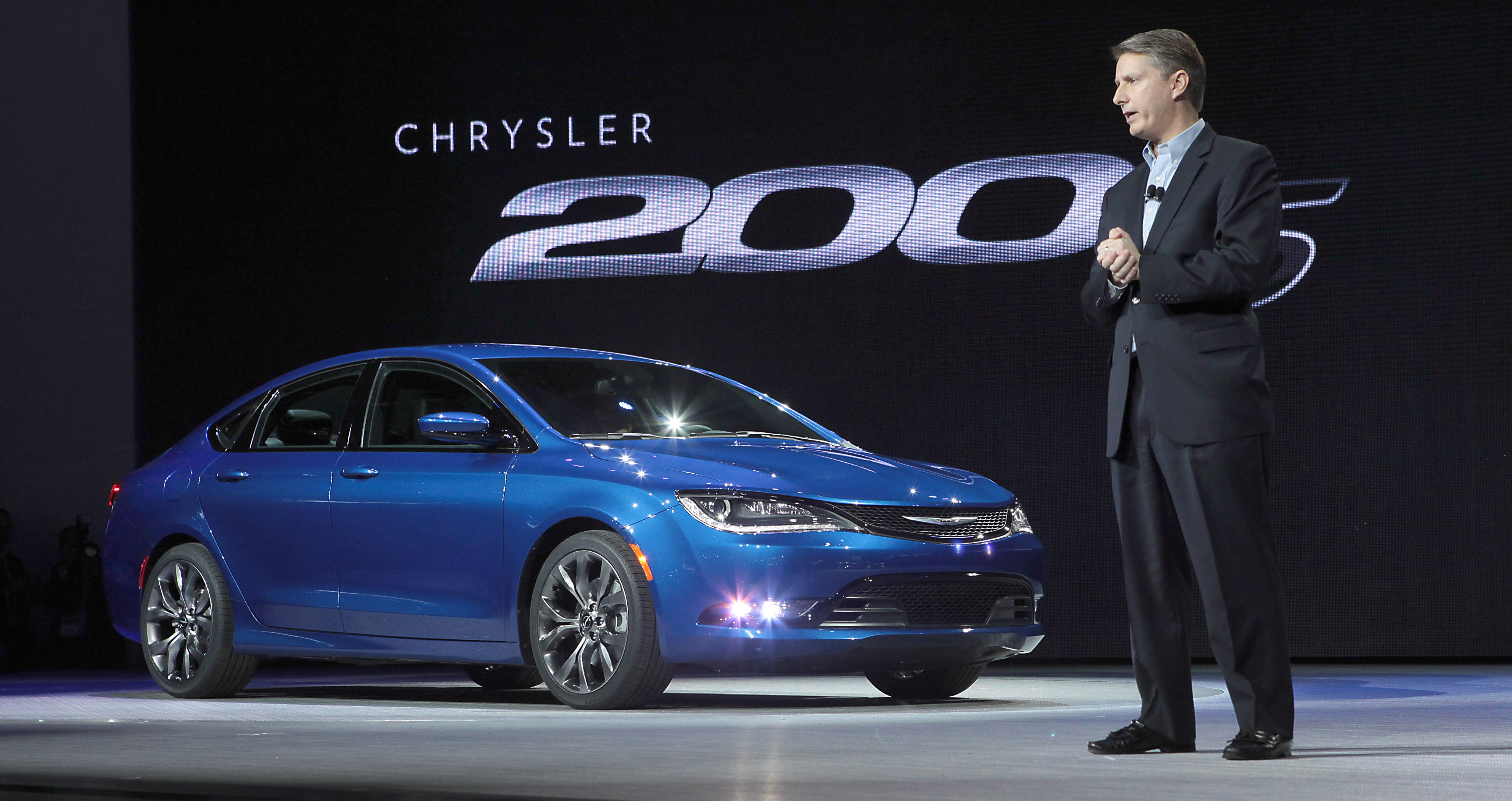All-New 2015 Chrysler 200 Sedan World Debut
