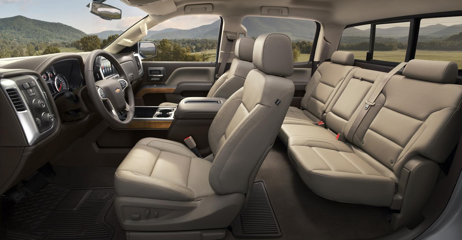 2015 Chevrolet Silverado HD Interior.