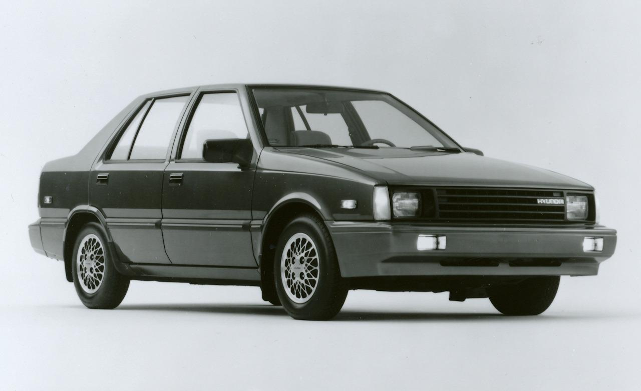 1986-hyundai-excel-gls-sedan-photo-365018-s-1280x782
