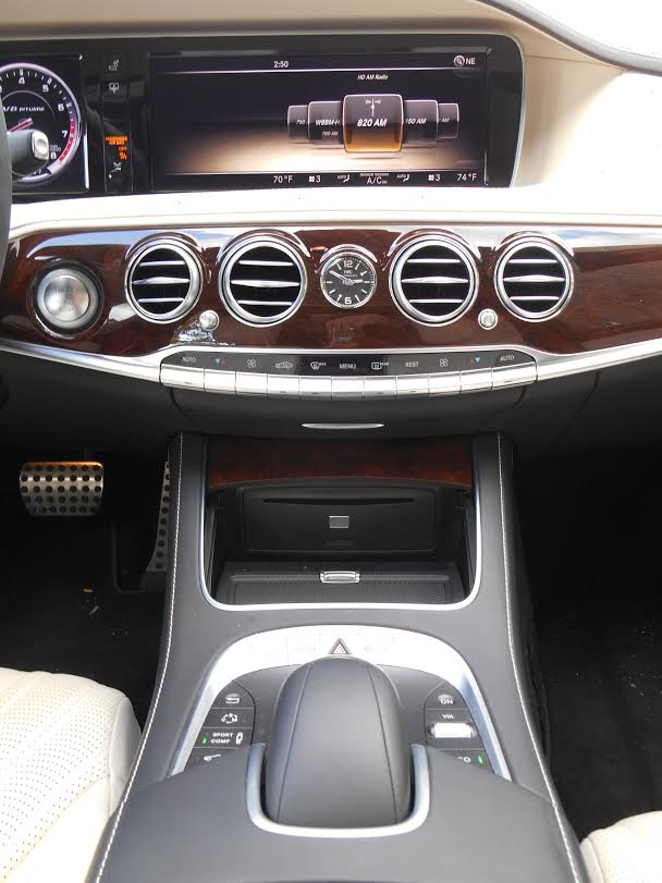 2014 Mercedes-Benz S63 center console