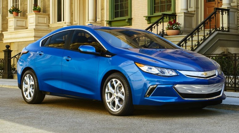 2016 Chevrolet Volt and Chevy Bolt Concept: The Bowtie Boys Double
