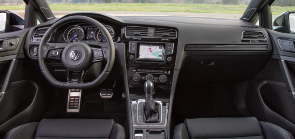 2015 VW Golf R Dash