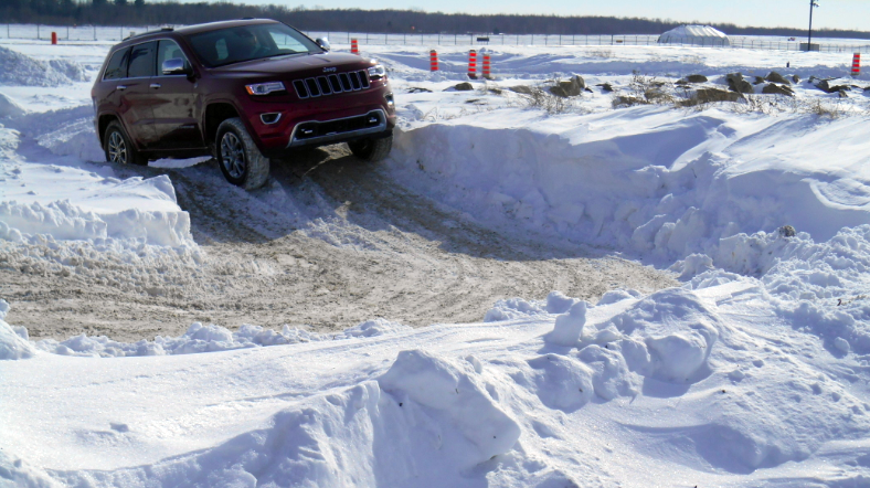 Grand Cherokee in snow