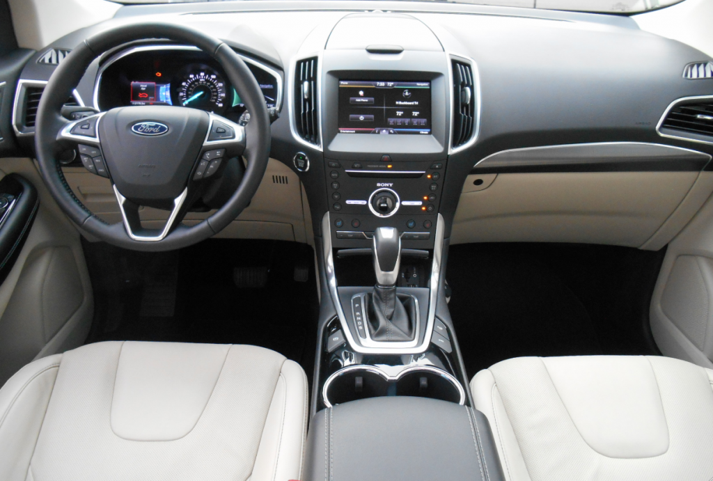 2015 Ford Edge dash