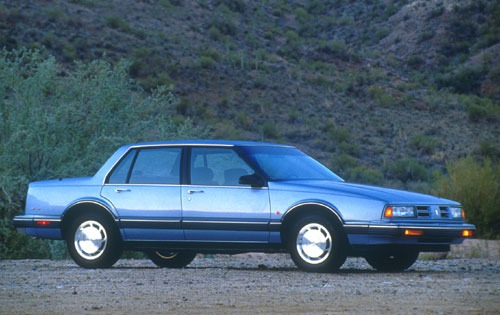1991_oldsmobile_eighty-eight-royale_sedan_brougham