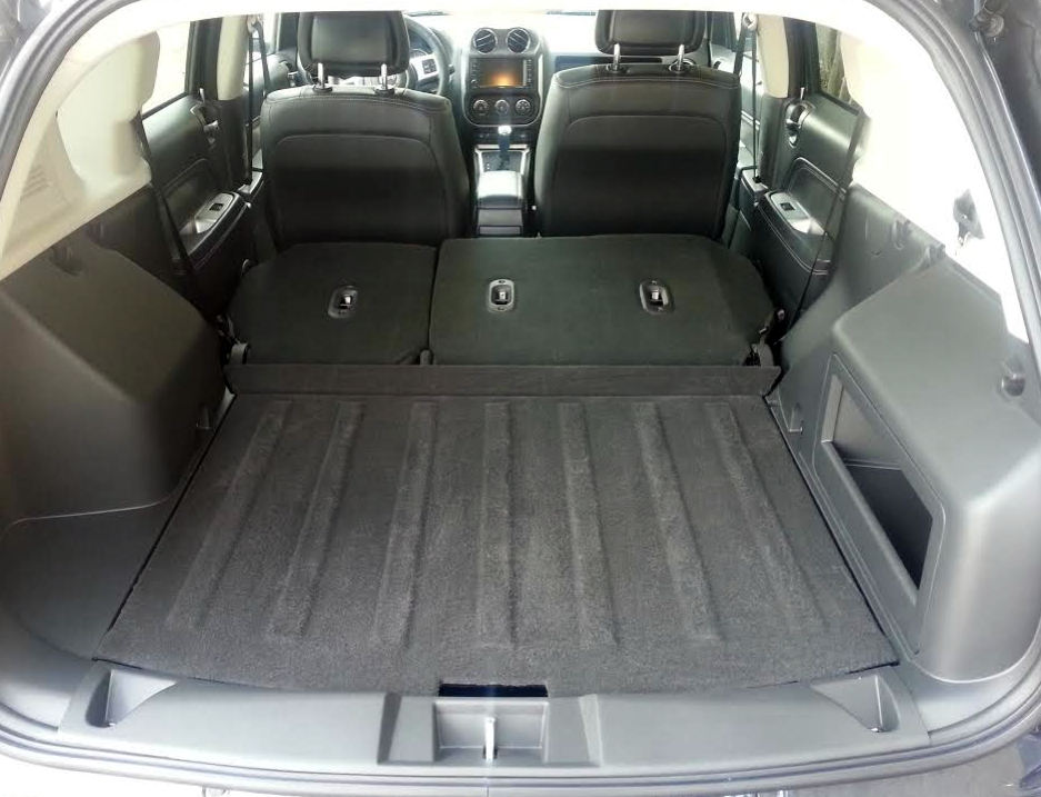 Jeep Compass (cargo area)