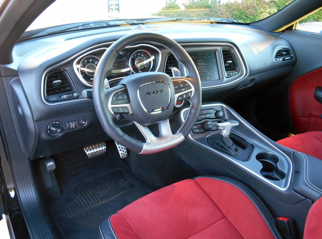 392 challenger srt dodge vs scat pack interior dash rt drive test srt8 tapatalk question screen trappings found