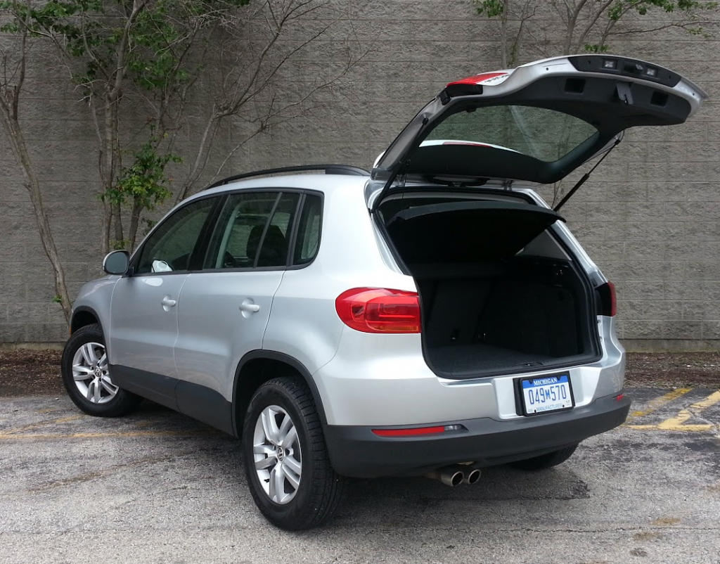 2015 VW Tiguan rear view