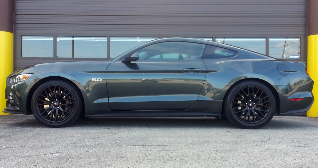 2015 Ford Mustang GT green profile