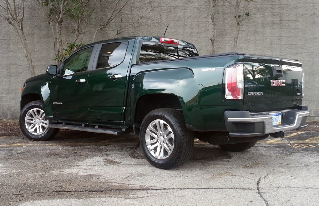 2015 GMC Canyon, rear view