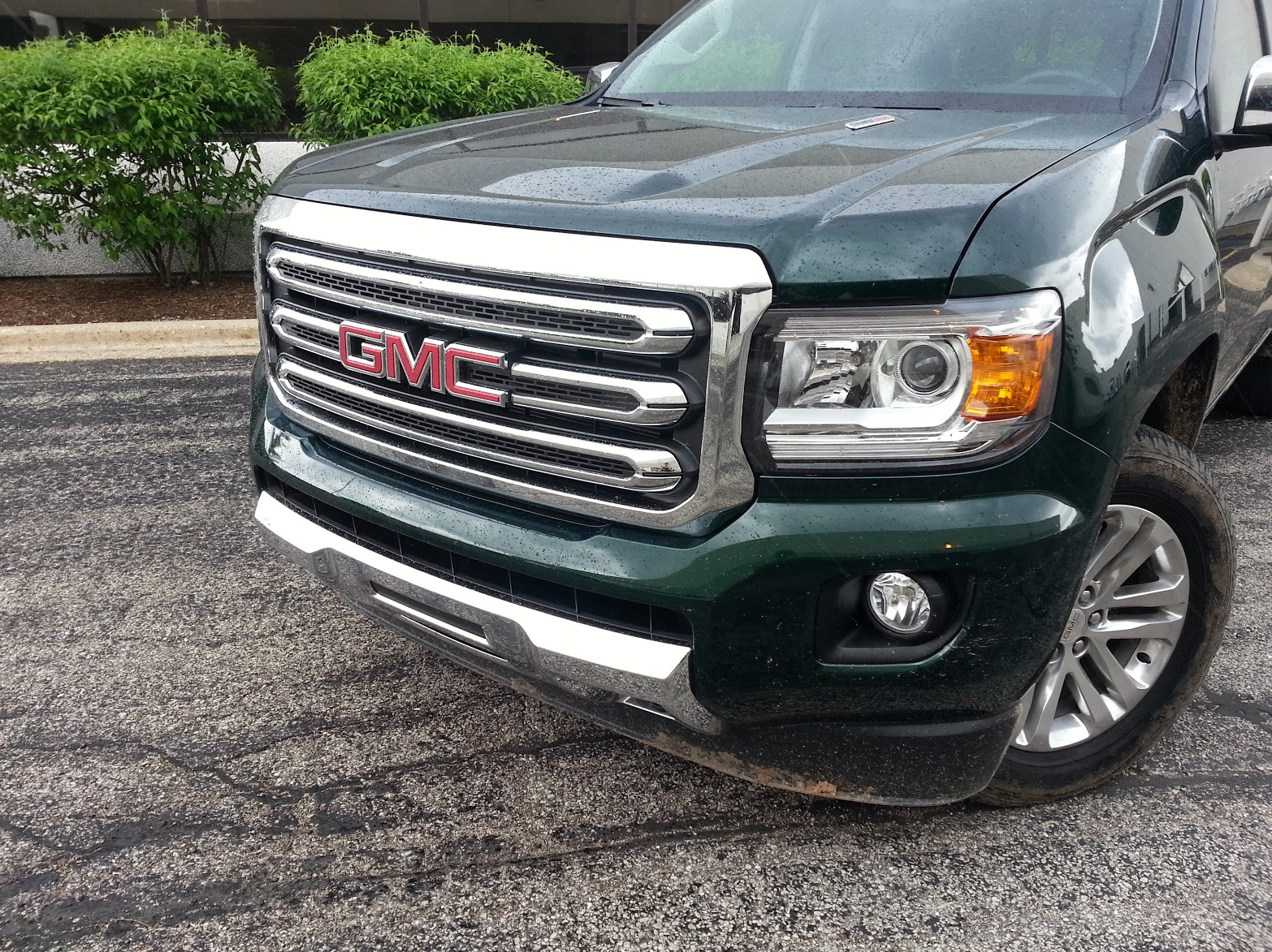 2016 GMC Canyon diesel in Emerald Green Metallic