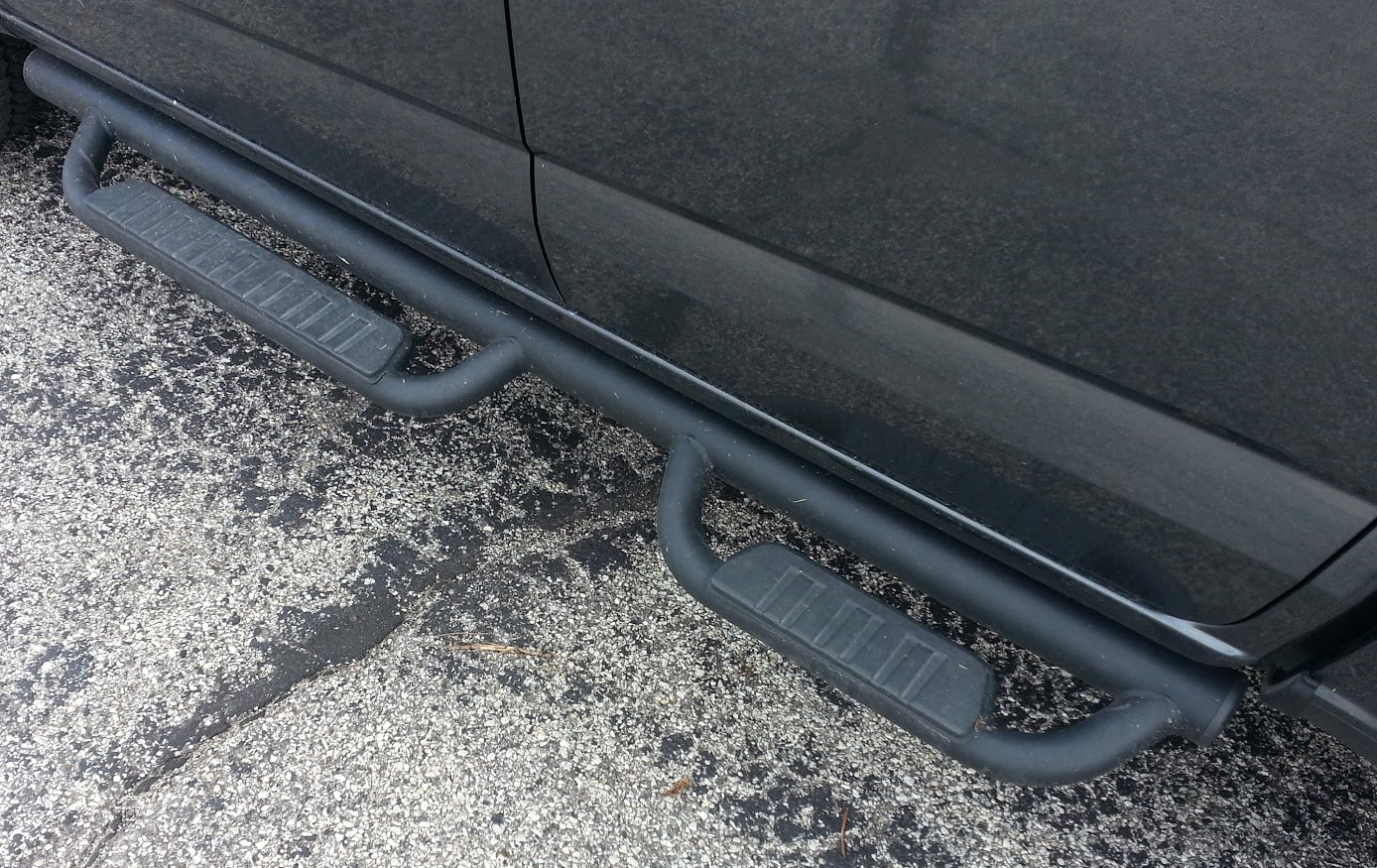 2016 Chevrolet Colorado running boards