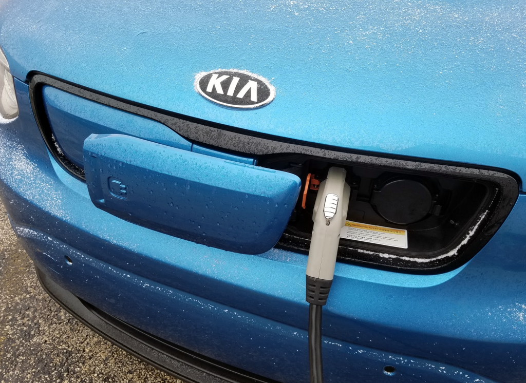Kia Soul EV charing in snow, Cold Impact on Range