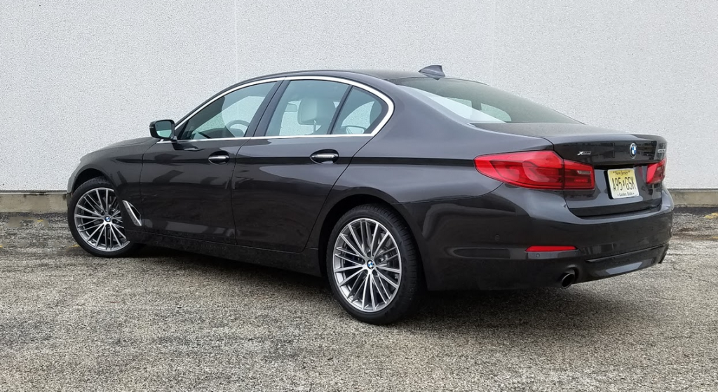 2017 BMW 530i, rear view
