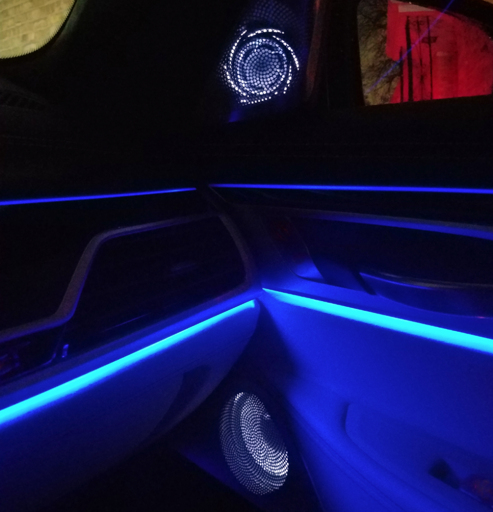 Bowers & Wilkins speakers at night, BMW 7-Series