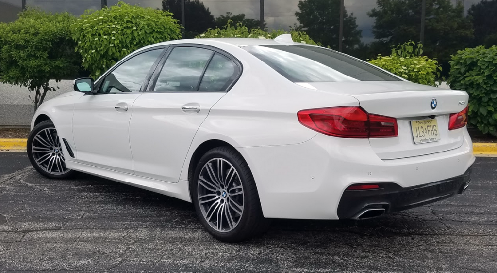 BMW 540i in Alpine White