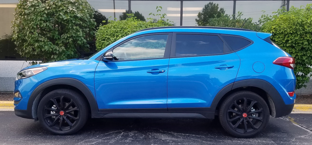 2017 Hyundai Tucson Night, Profile